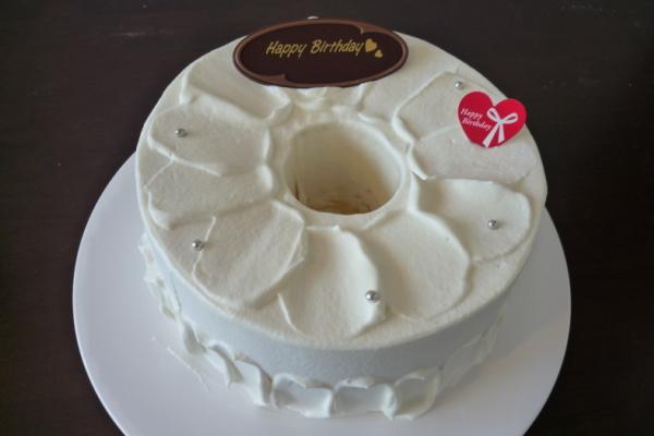 つくば市のケーキ屋さん「RIBBON」のバースデーケーキ(お誕生日ケーキ) 生クリーム